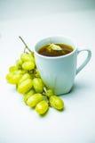 葡萄和茶 免版税库存图片