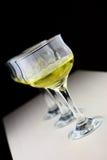 葡萄和酒杯 免版税库存照片