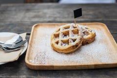 葡萄干奶蛋烘饼 免版税库存图片