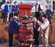 葡萄收获的节日在chusclan的 免版税库存图片