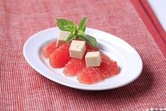 葡萄柚和豆腐 免版税图库摄影