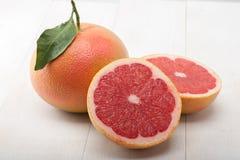葡萄柚查出的片式白色 免版税图库摄影