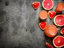 从葡萄柚的新鲜的汁液 库存图片