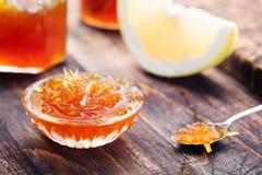 葡萄柚,橙色果酱,蜜饯 免版税库存图片