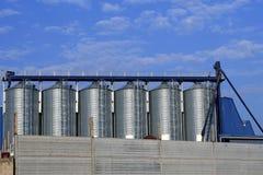 葡萄汁液体不锈钢存储酒 库存图片