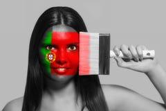 葡萄牙的全国颜色的女性 免版税库存图片