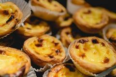 葡萄牙蛋馅饼 传统葡萄牙点心告诉了葡萄牙式奶油挞或pasteis de nata 免版税库存图片