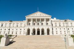 葡萄牙议会的正面图, StBenedict宫殿  库存图片