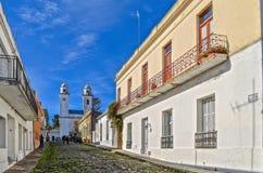 葡萄牙语街道在科洛尼亚省,乌拉圭 免版税库存图片