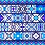 葡萄牙语铺磁砖与蓝色和白色装饰品的无缝的样式传染媒介 塔拉韦拉、azulejo,墨西哥人,西班牙或者阿拉伯主题 皇族释放例证