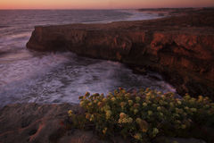 葡萄牙:在黄昏期间的海岸线 库存照片