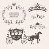 葡萄酒与冠的皇族框架 库存图片