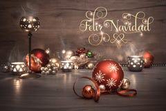 葡萄酒与蜡烛和装饰,文本的圣诞节背景 库存图片