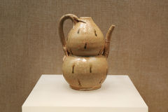 葡萄酒中国传统金瓜水瓶,中国金瓜瓶 库存照片