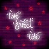 葡萄酒五颜六色的霓虹字法 浪漫爱行情设计 免版税图库摄影