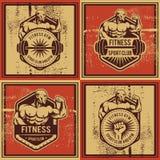 葡萄酒传染媒介健身和健身房徽章 免版税库存图片