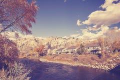 葡萄酒传统化了与Eagle河,美国的秋天风景 免版税库存照片
