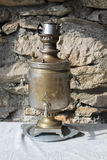 葡萄酒俄国式茶炊盘子,俄国传统 免版税库存照片