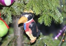 葡萄酒俄国新年装饰,在夹克的鸟 免版税库存图片