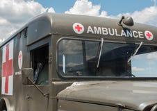 葡萄酒军队救护车 库存照片