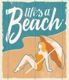 葡萄酒减速火箭的海滩海报-织地不很细传染媒介标志 免版税库存照片