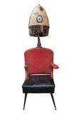 葡萄酒减速火箭的理发师吹风器和椅子 库存图片