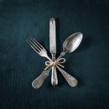 葡萄酒利器扁平的餐具和银器 库存图片