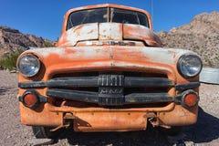葡萄酒卡车在内华达的沙漠 库存图片