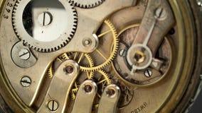 葡萄酒口袋老时钟机制工作 关闭 时间间隔 股票录像