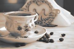 葡萄酒咖啡和咖啡豆 库存照片