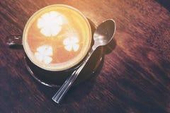 葡萄酒咖啡杯 免版税库存照片