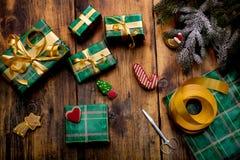 葡萄酒圣诞节题材背景 库存图片