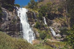 葡萄酒在土井Inthanon,清迈,泰国定了调子美好的Wachirathan瀑布场面的图象 图库摄影