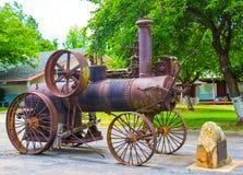 葡萄酒在显示的蒸汽拖拉机 库存照片