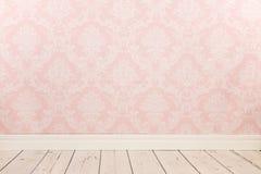 葡萄酒墙壁和木地板 免版税库存图片