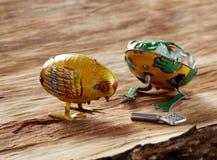 葡萄酒复活节玩具 免版税库存照片