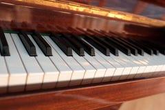葡萄酒大平台钢琴 免版税库存图片