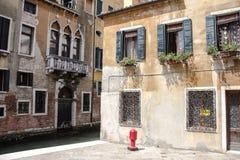 葡萄酒威尼斯式房子 免版税图库摄影