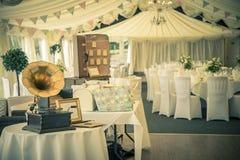 葡萄酒婚礼和gramaphone 库存图片