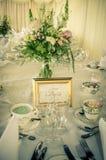 葡萄酒婚礼桌 库存照片