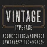 葡萄酒字母表与困厄的覆盖物纹理的向量字体 库存照片