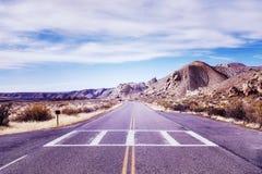 葡萄酒定了调子一条风景离开的路的图片 图库摄影