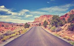 葡萄酒定了调子一条离开的路的图片,美国 库存照片