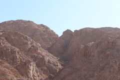 葡萄酒定了调子风景沙漠高速公路在日落 库存图片