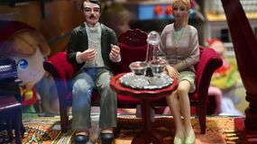 葡萄酒客厅玩偶家庭 免版税图库摄影