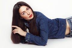 葡萄酒年轻美丽的女孩样式画象有时髦的做 库存照片
