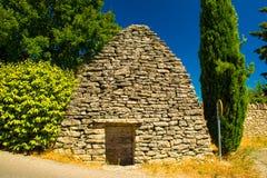 葡萄酒库在戈尔代,普罗旺斯,法国古老中世纪村庄  库存照片