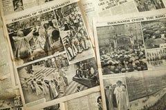 葡萄酒新闻纸背景 免版税库存图片