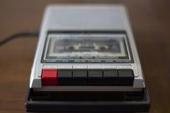 葡萄酒有里面录音磁带卡式磁带的盒式磁带球员 免版税库存照片
