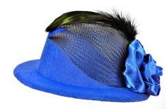 葡萄酒有黑羽毛的蓝色夫人的帽子 免版税库存照片